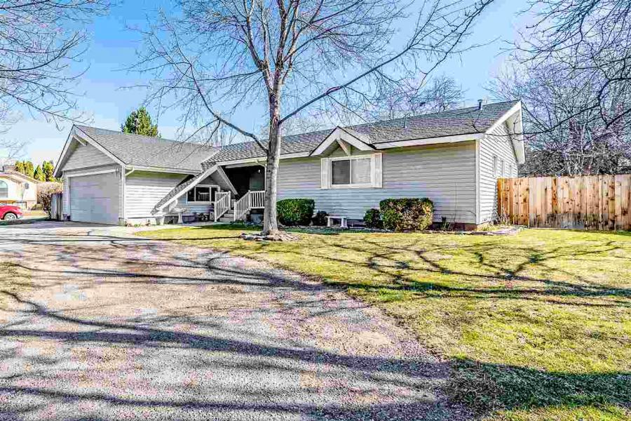 4456 N Creswell Pl, Boise in Ada County, ID 83713 Home for Sale